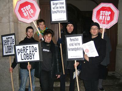 Mahnwache vor RFID-Lobbyveranstaltung
